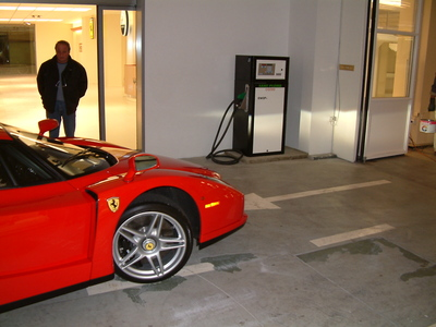 Modulis Epack installée à la concession Ferrari de Genève -- Cliquez pour voir l'image en entier